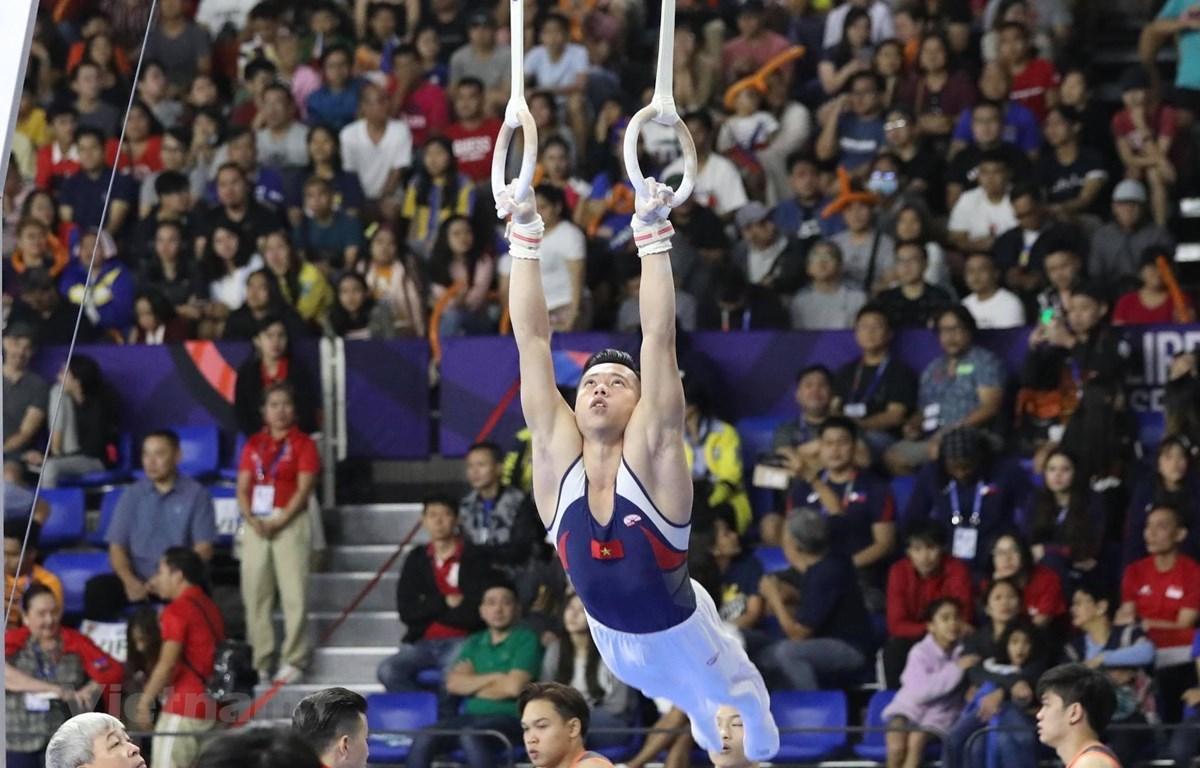 Đội tuyển Thể dục dụng cụ có HCV đầu tiên tại SEA Games 30. (Ảnh: Vietnam+)