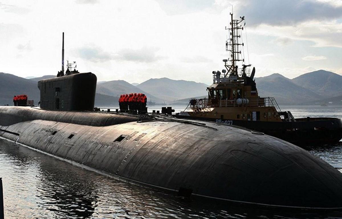 Tàu ngầm lới Borei mang theo tên lửa đạn đạo Bulava. (Nguồn: Sputnik)