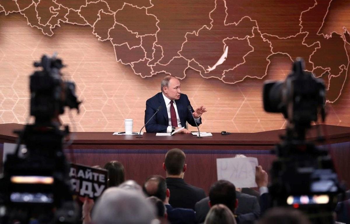 Tổng thống Nga Vladimir Putin trong buổi họp báo thường kỳ cuối năm ở Moskva, ngày 19/12. (Nguồn: AFP)