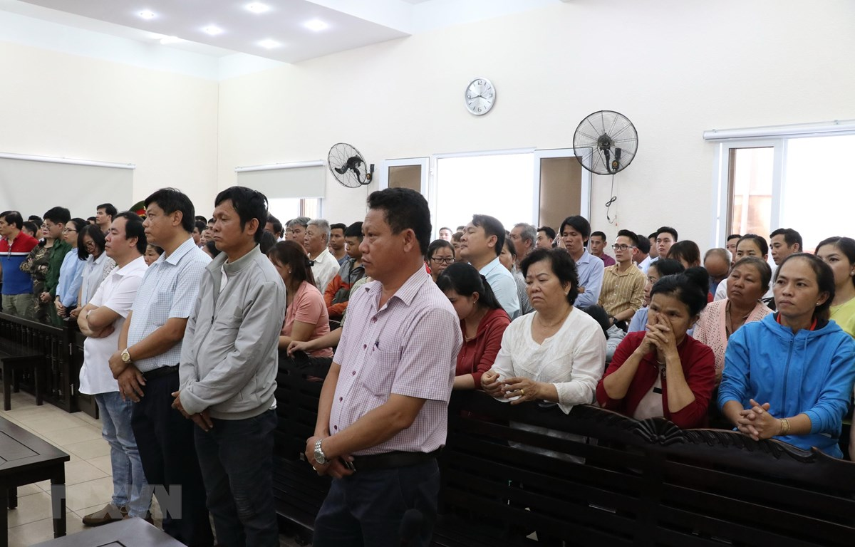 Quang cảnh phiên tòa. (Ảnh: Nguyễn Văn Việt/TTXVN)