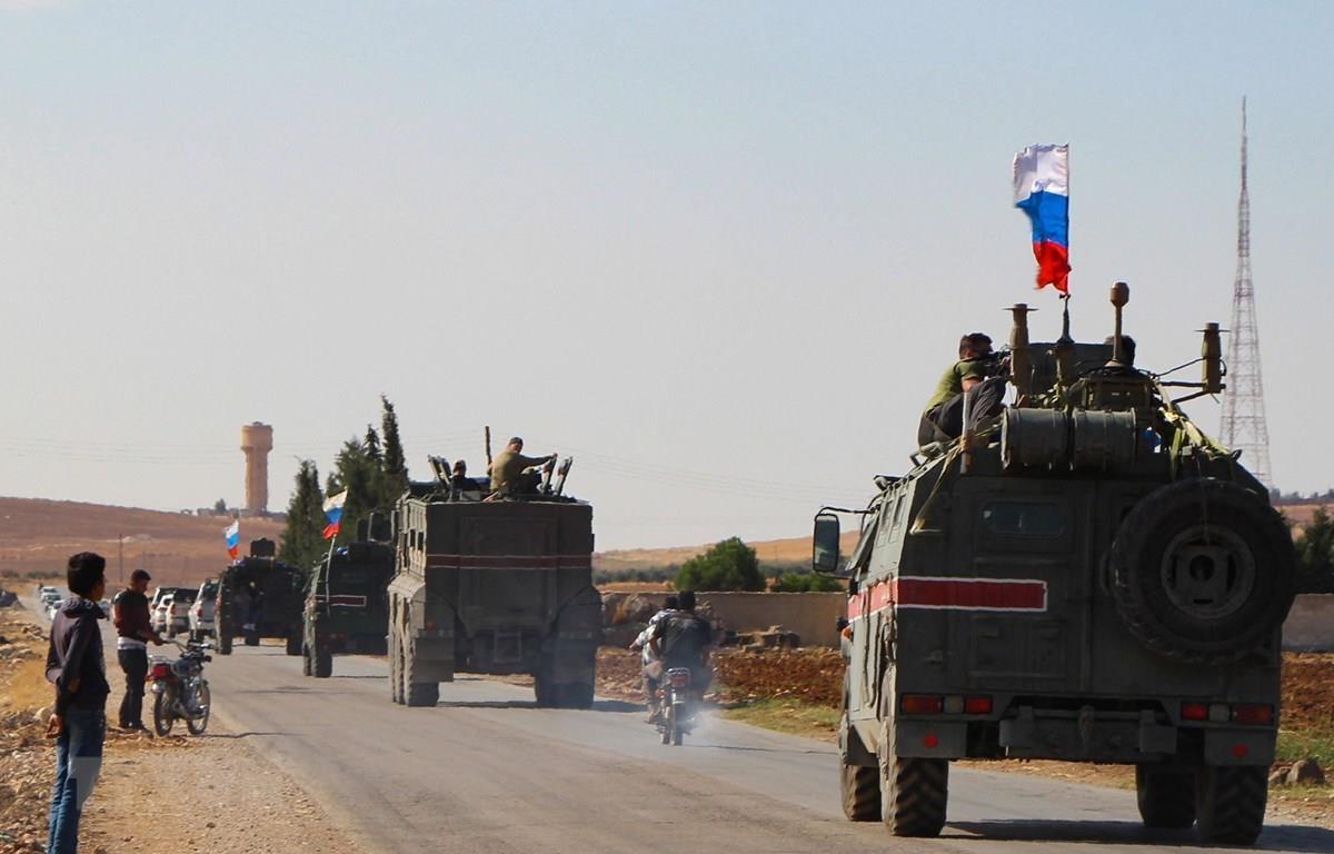 Binh sỹ Nga tuần tra tại Syria. (Ảnh: AFP/TTXVN)