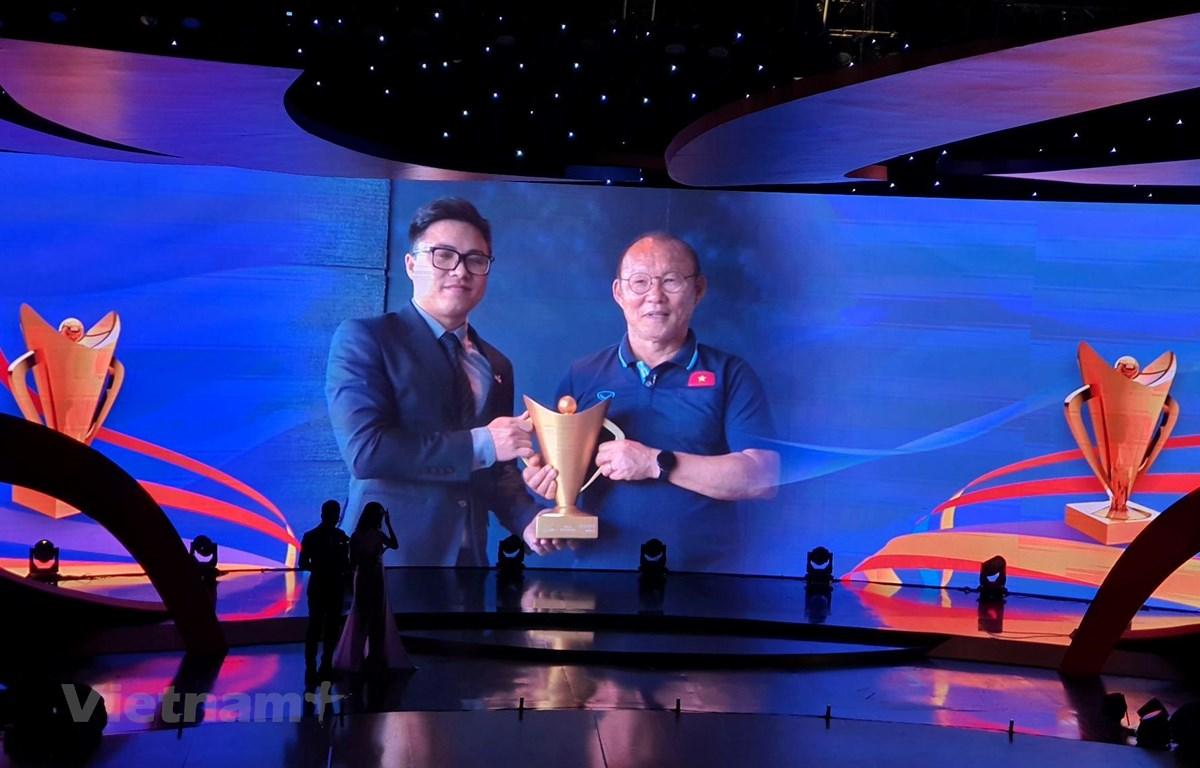 HLV Park Hang-seo được vinh danh ở hạng mục HLV nước ngoài của năm. (Ảnh: Huy Khánh/Vietnam+)