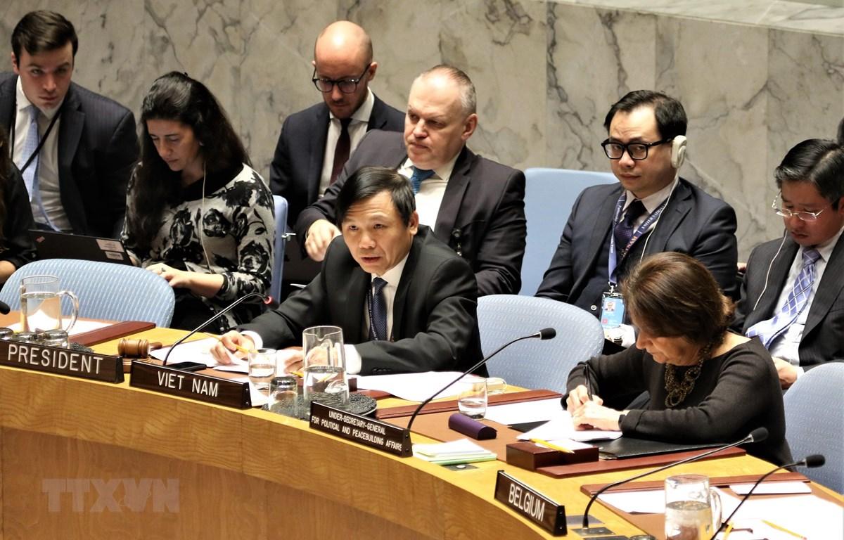 Đại sứ Đặng Đình Quý chủ trì phiên thảo luận mở của HĐBA về tình hình Palestine-Israel. (Ảnh: Khắc Hiếu/TTXVN)