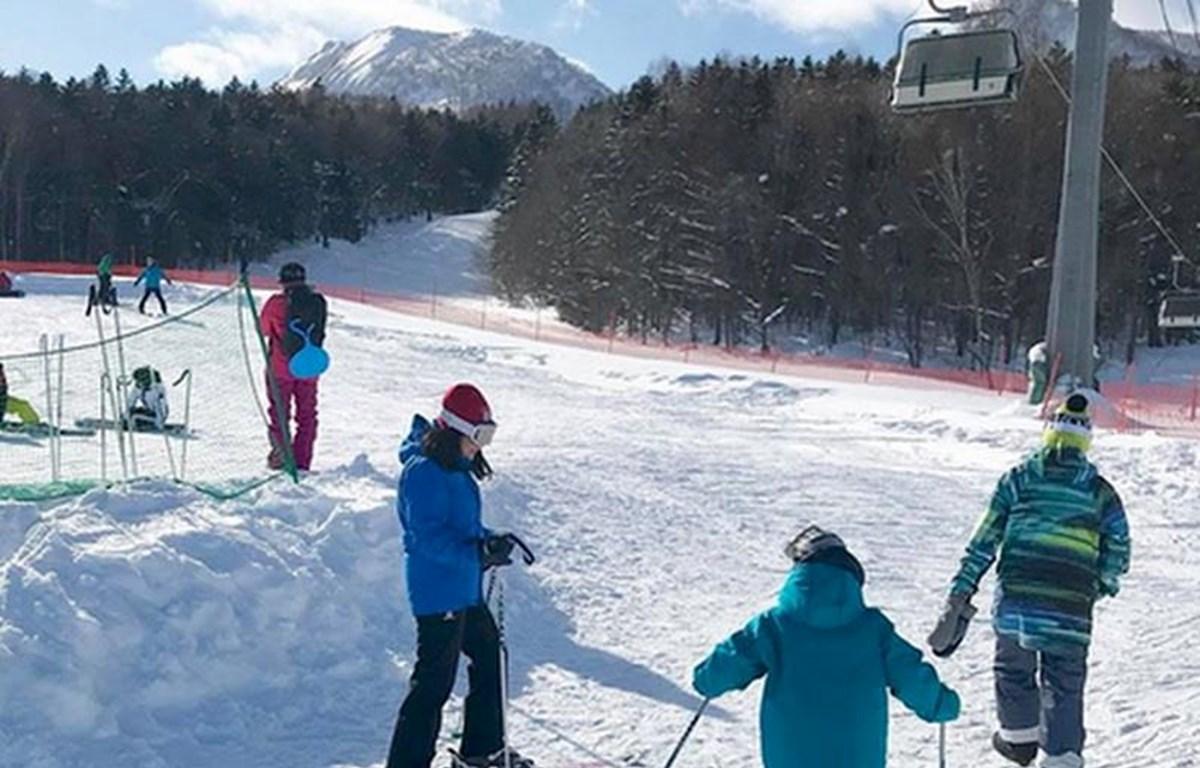 Một bãi trượt tuyết tại Hockaido hàng năm thu hút rất đông khách du lịch (Nguồn:CVT)