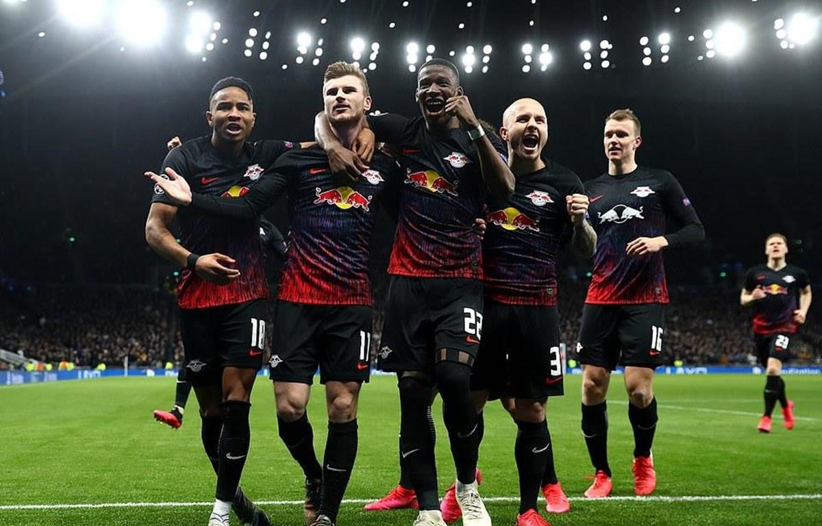RB Leipzig giành ưu thế lớn trước Tottenham.