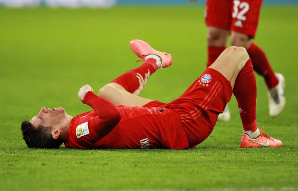 Robert Lewandowski phải nghỉ thi đấu 4 tuần. (Nguồn: Getty Images)
