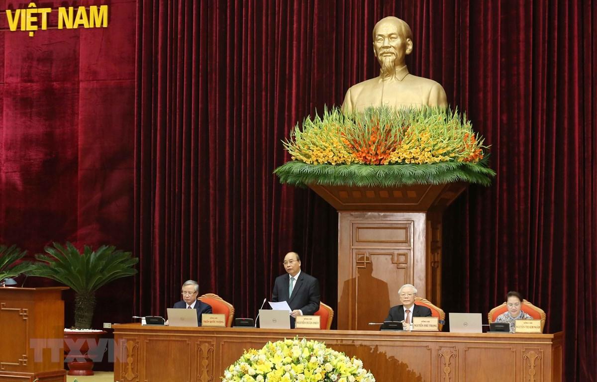 Thủ tướng Nguyễn Xuân Phúc điều hành phiên bế mạc. (Ảnh: Phương Hoa/TTXVN)