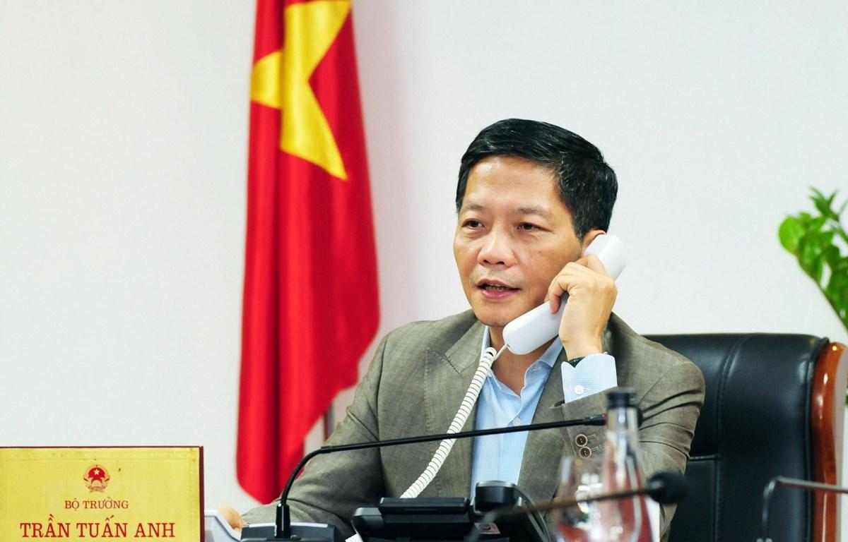 Bộ trưởng Trần Tuấn Anh điện đàm. (Ảnh: Trần Việt/TTXVN)