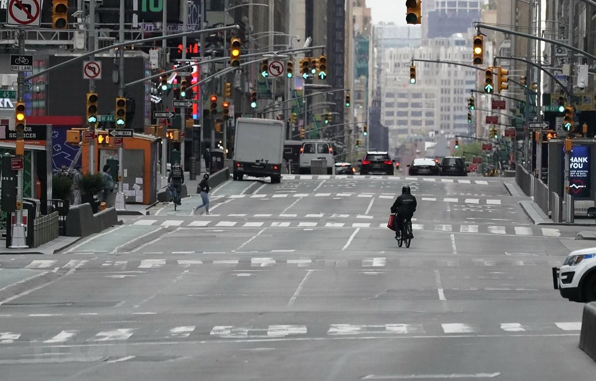 Một tuyến phố ở New York, Mỹ ngày 6/5. (Ảnh: AFP/TTXVN)