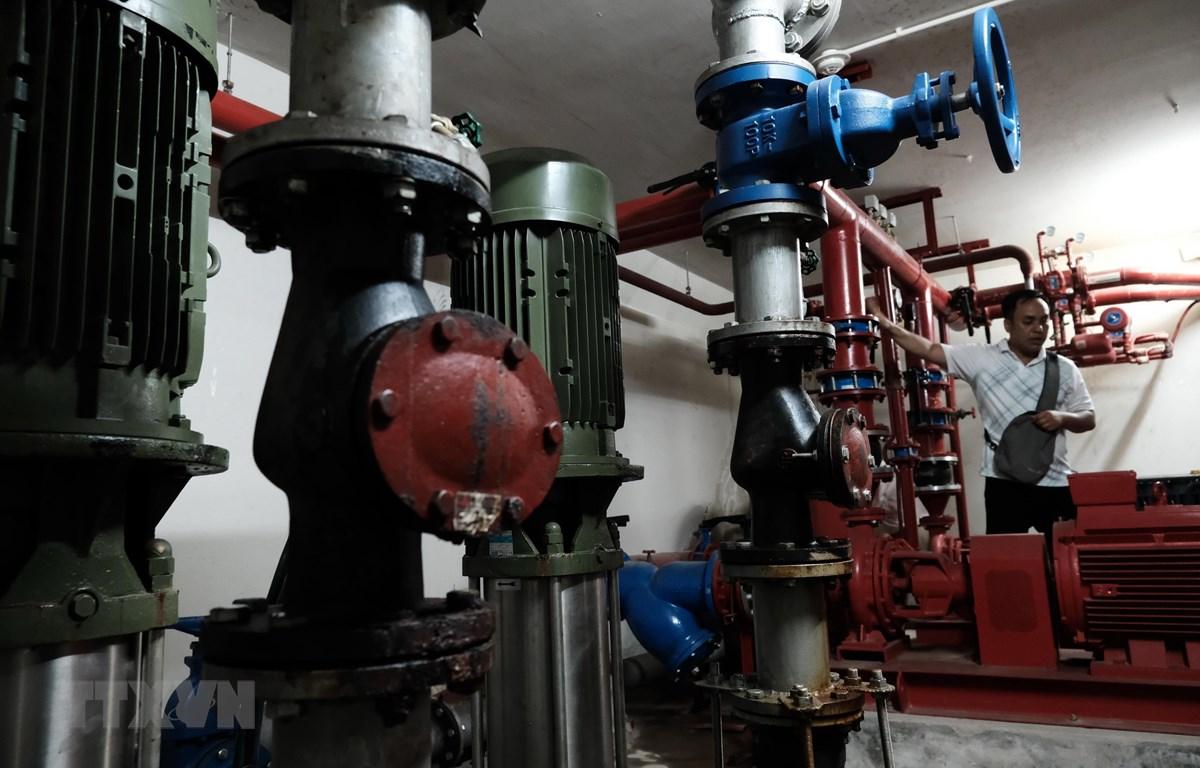 Hệ thống chữa cháy tự động dưới tầng hầm của chung cư Sông Đà Nha Trang cũng gặp vấn đề do lâu ngày không được bảo trì. (Ảnh: Nguyễn Dũng/TTXVN)