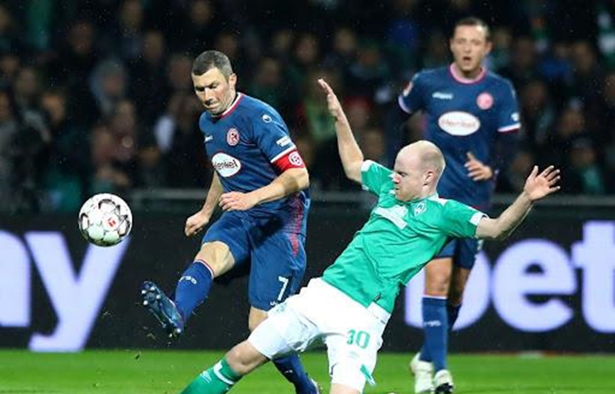 Fortuna Düsseldorf và Werder Bremen sẽ phải cạnh tranh tấm vé đá play-off tranh suất trụ hạng.