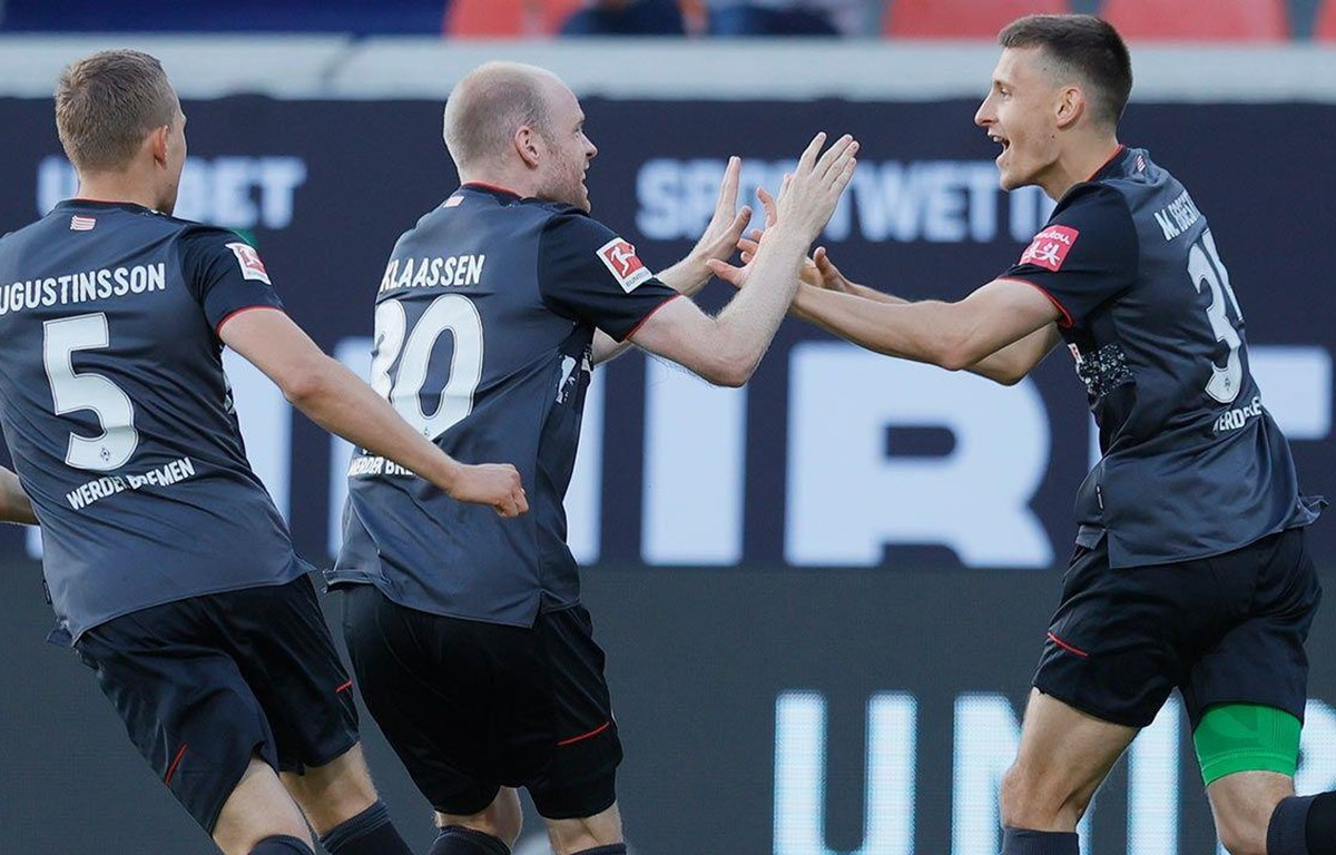 Bremen tiếp tục ở lại sân chơi Bundesliga. (Nguồn: foxsports)