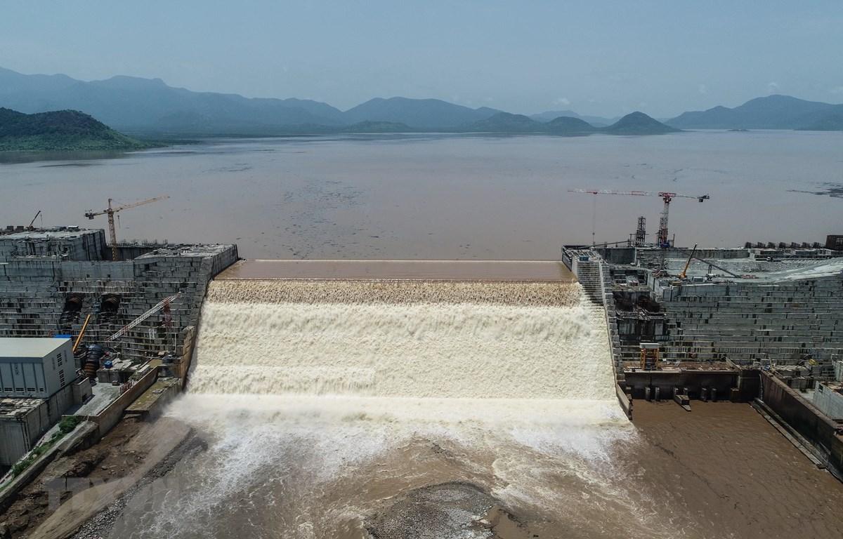 Toàn cảnh công trình xây dựng đập thủy điện Đại Phục Hưng ở Guba, Ethiopia ngày 20/7. (Ảnh: AFP/TTXVN)