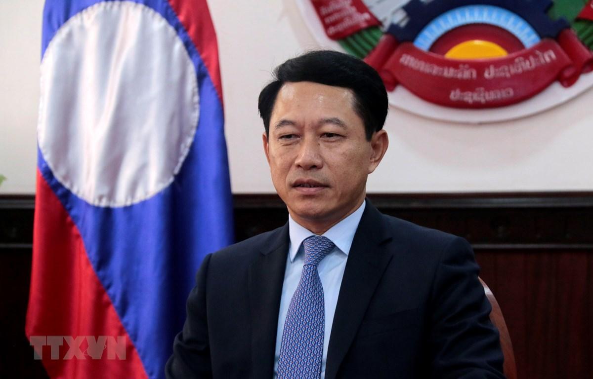 Bộ trưởng Ngoại giao Lào Saleumsay Kommasith tại buổi trả lời phỏng vấn phóng viên TTXVN tại Lào. (Ảnh: Thu Phương/TTXVN)