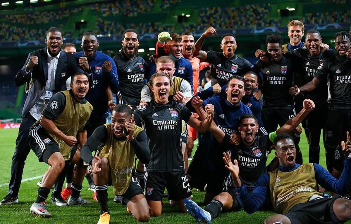 Lyon vào bán kết sau khi loại Manchester City.