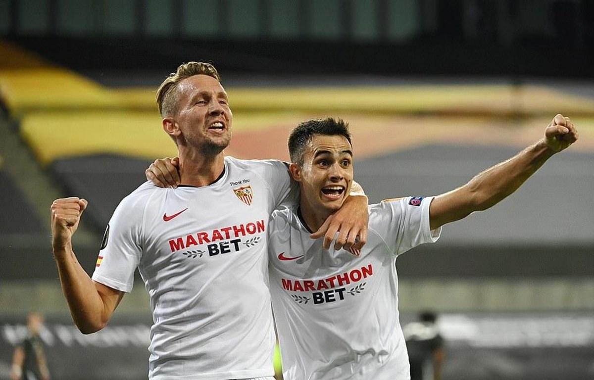 Sevilla lần thứ 6 vào chung kết Europa League.