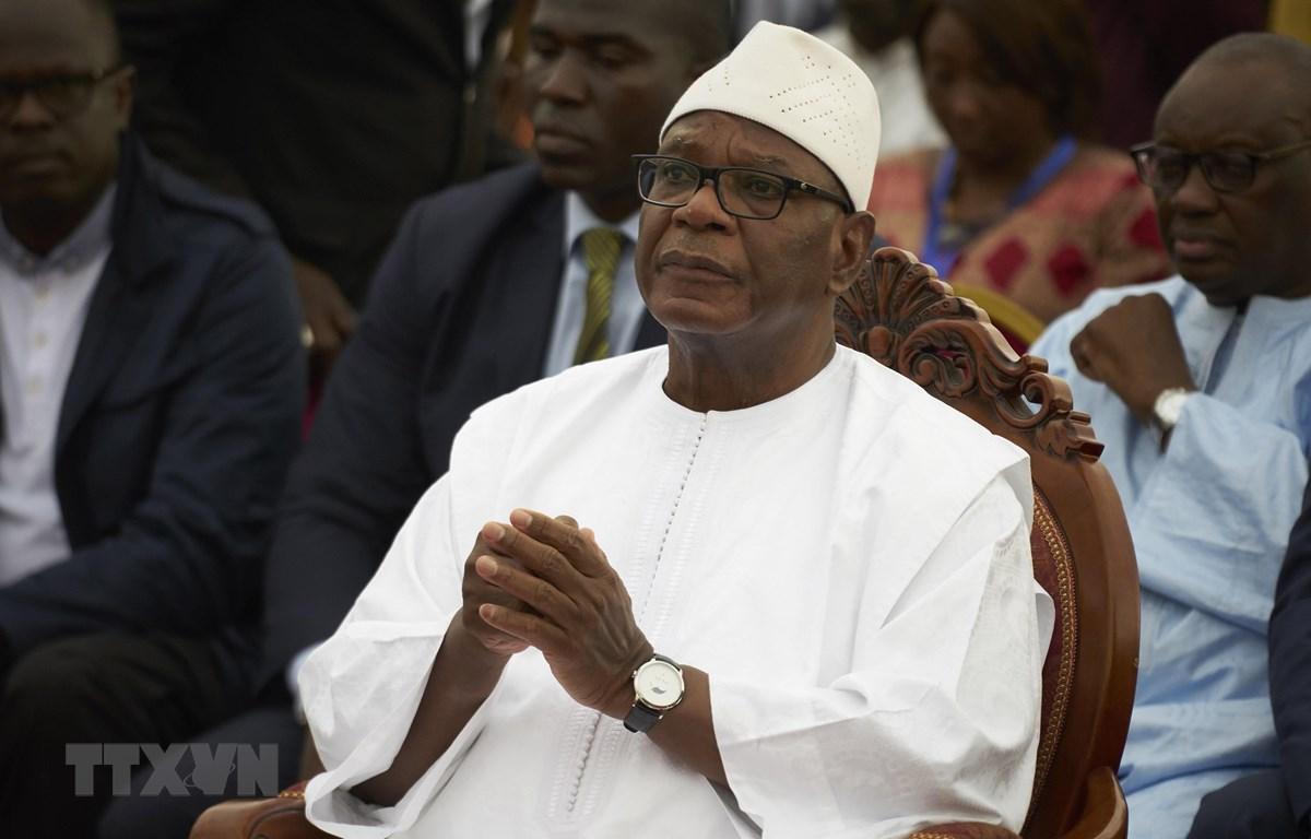 Tổng thống Mali Ibrahim Boubacar Keita (giữa) tại một sự kiện chính trị ở thủ đô Bamako. (Ảnh: AFP/TTXVN)