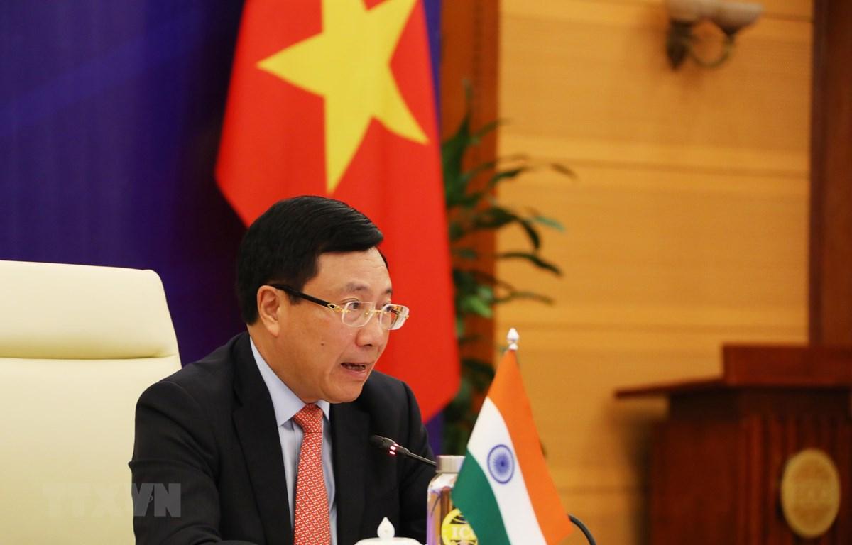 Phó Thủ tướng, Bộ trưởng Bộ Ngoại giao Phạm Bình Minh phát biểu tại Kỳ họp lần thứ 17 Ủy ban Hỗn hợp Việt Nam-Ấn Độ. (Ảnh: Lâm Khánh/TTXVN)