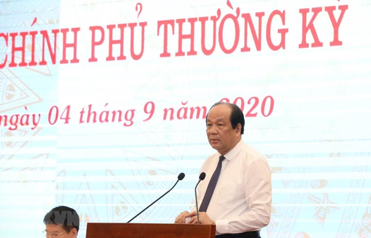 Bộ trưởng, Chủ nhiệm Văn phòng Chính phủ, Người Phát ngôn Chính phủ Mai Tiến Dũng phát biểu tại buổi họp báo. (Ảnh: Văn Điệp/TTXVN)