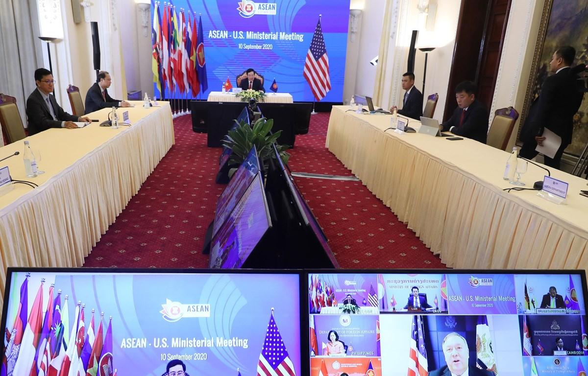 Ngoại trưởng Hoa Kỳ Mike Pompeo phát biểu tại Hội nghị Bộ trưởng Ngoại giao ASEAN-Hoa Kỳ. (Ảnh: Lâm Khánh/TTXVN)