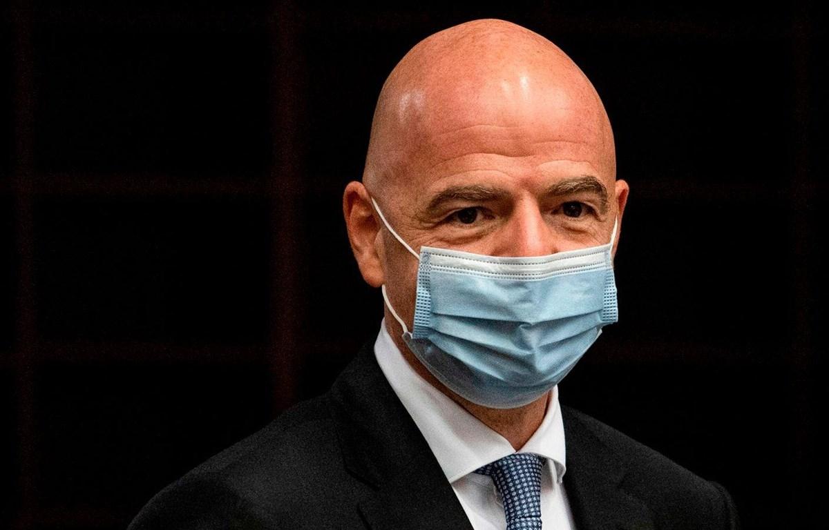 Chủ tịch FIFA Gianni Infantino mắc COVID-19. (Nguồn: skysports)