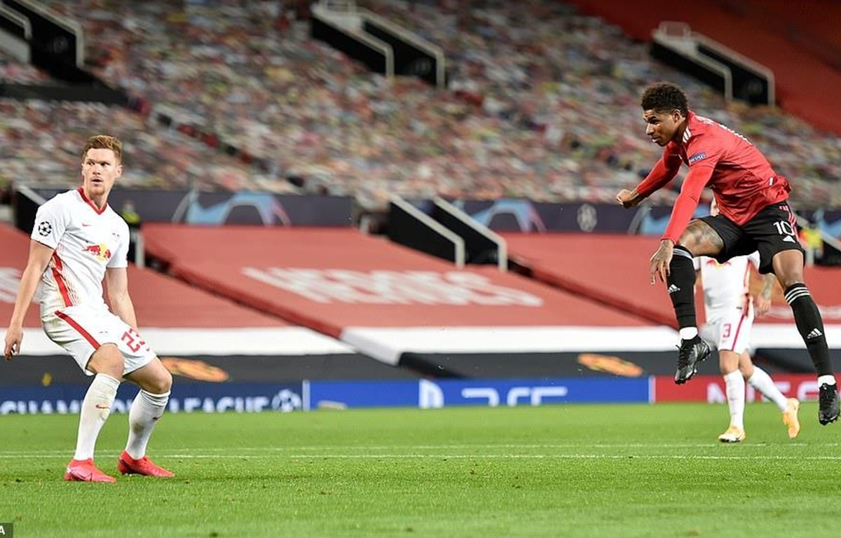 Rashford (áo đỏ) lập hat-trick cho Manchester United. (Nguồn: EPA)