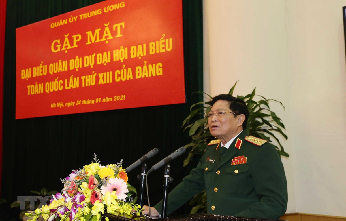 Đại tướng Ngô Xuân Lịch phát biểu tại buổi gặp mặt. (Ảnh: TTXVN phát)