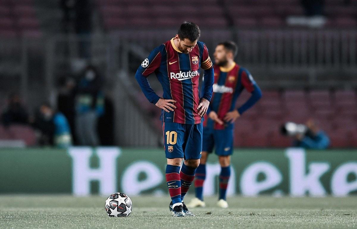 Messi và đồng đội nhận thảm bại ngay trên sân nhà. (Nguồn: Getty Images)