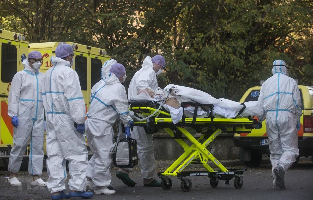 Cộng hòa Séc là quốc gia có tỷ lệ tử vong cao nhất. (Ảnh: AFP/TTXVN)