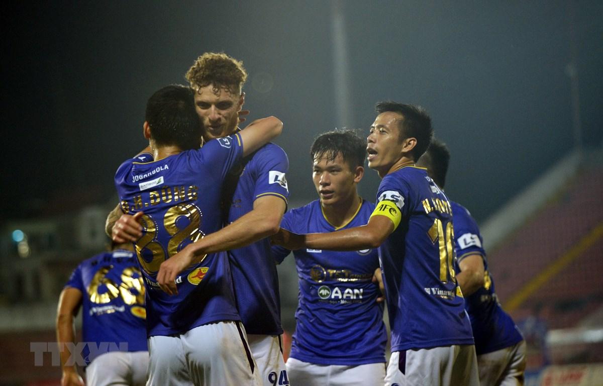 Hà Nội FC được kỳ vọng sẽ bùng nổ sau khi có chiến thắng đầu tay. (Ảnh: TTXVN)