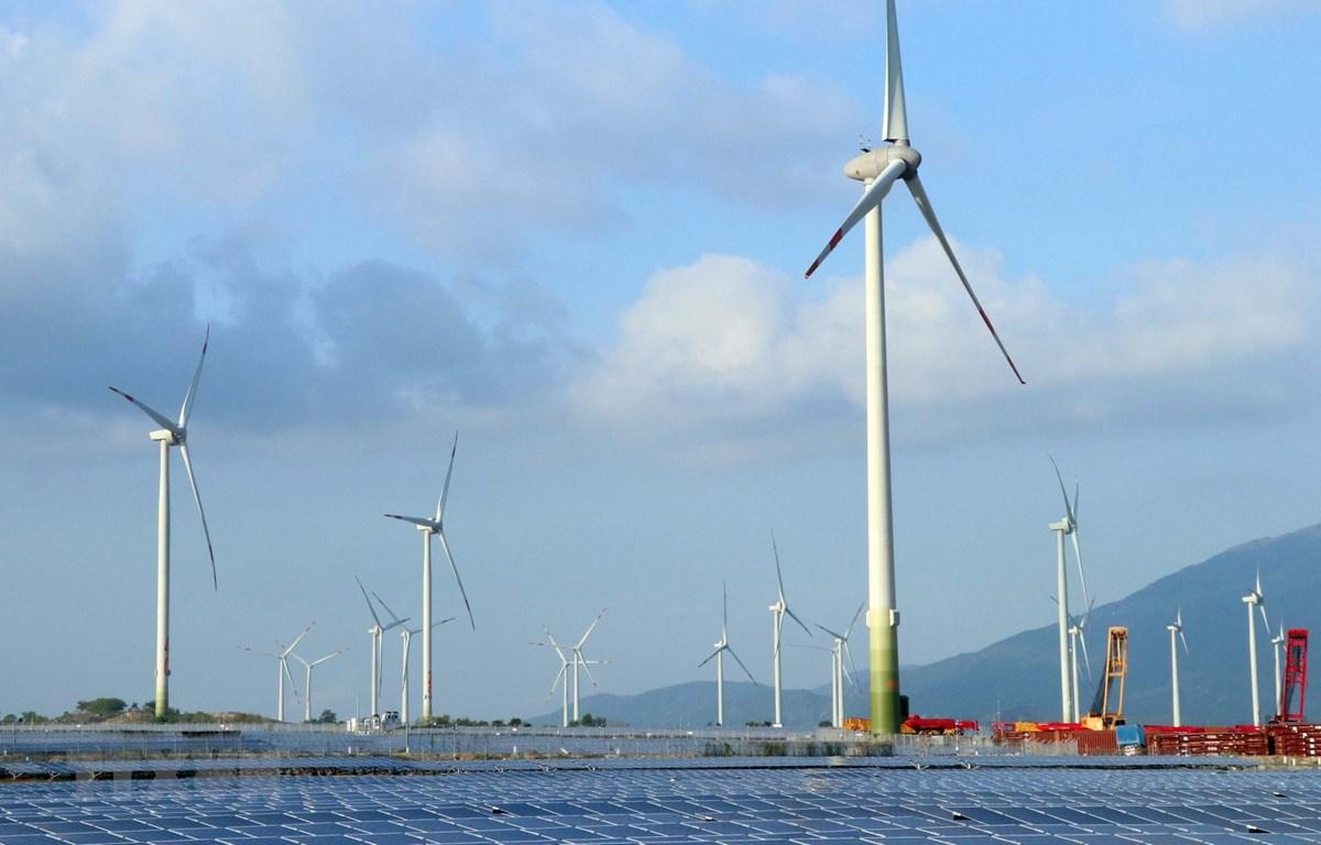 Trang trại điện gió Trung Nam được khánh thành tại huyện Thuận Bắc. (Ảnh: Công Thử/TTXVN)