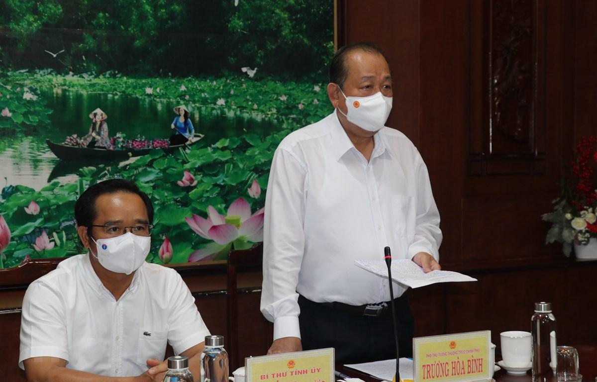 Phó Thủ tướng thường trực Trương Hòa Bình phát biểu chỉ đạo tại buổi làm việc. (Ảnh: Đức Hạnh/TTXVN)
