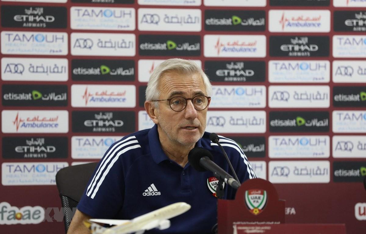 HLV Bert van Marwijk của đội tuyển UAE. (Ảnh: Hoàng Linh/TTXVN)