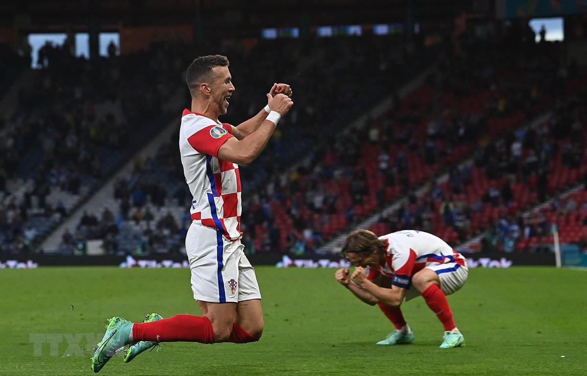 Xác định được 12 đội tuyển góp mặt ở vòng 1/8 EURO 2020