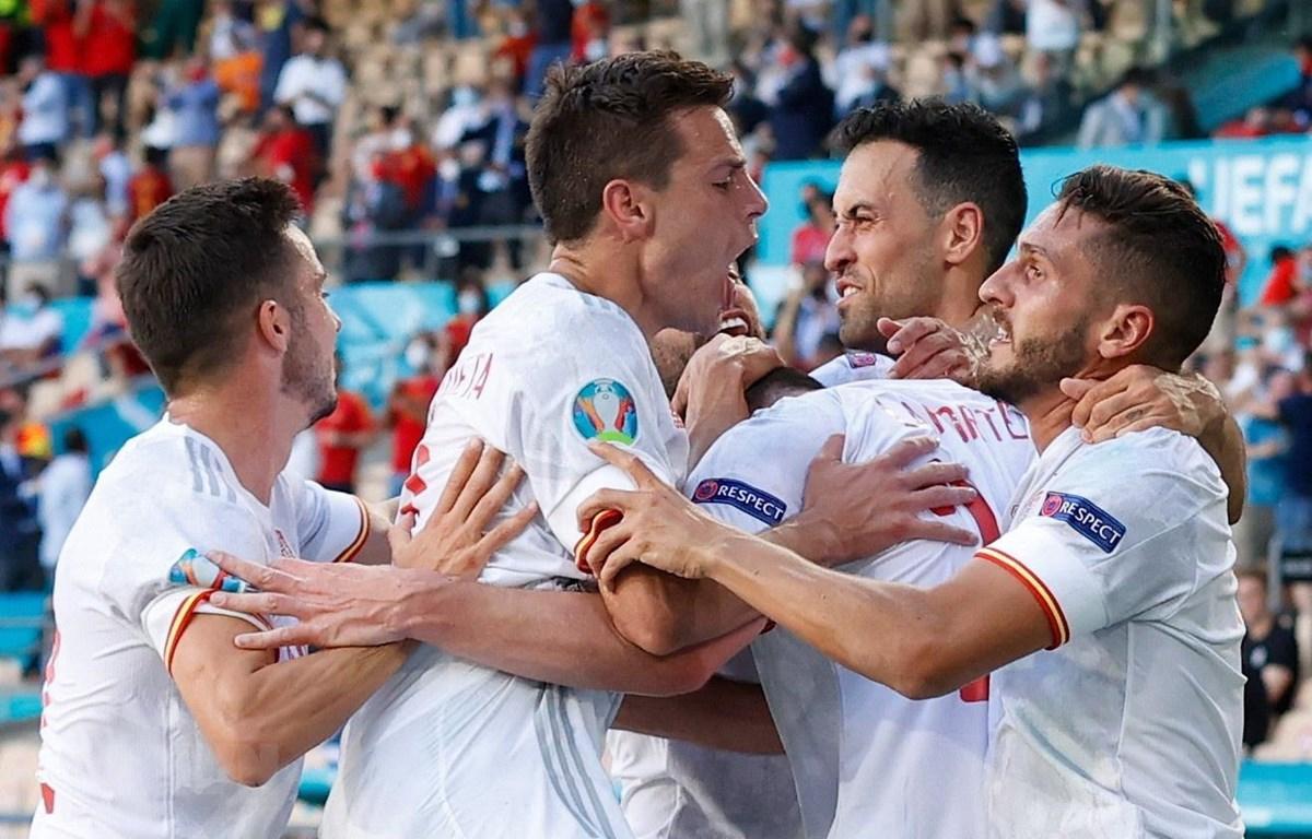Tây Ban Nha giàn quyền vào vòng knock-out EURO 2020. (Ảnh: AFP/TTXVN)