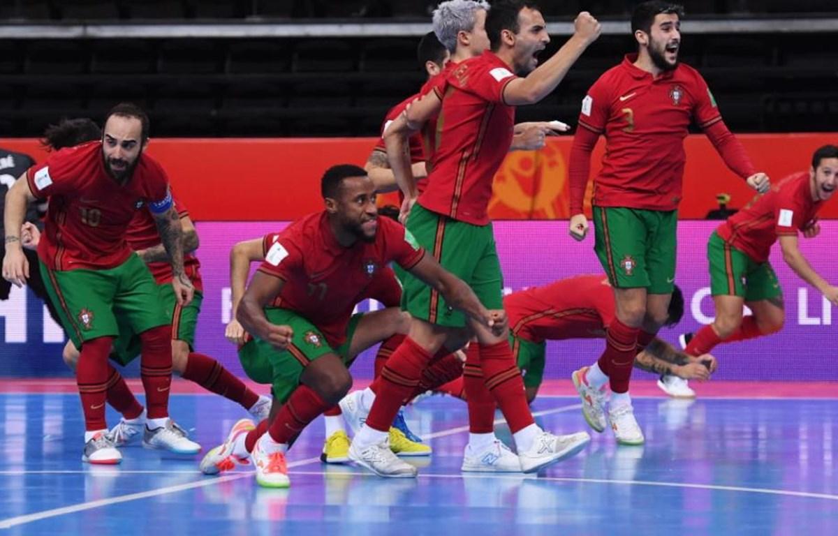 Cầu thủ Bồ Đào Nha ăn mừng sau loạt luân lưu may rủi. (Nguồn: Getty Images)