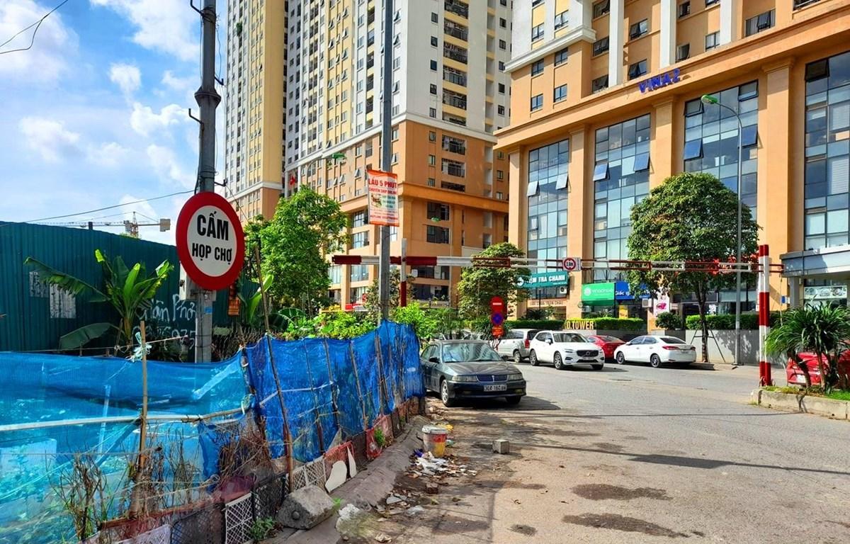 """Khu chợ cóc ở trong khu đô thị mới Kim Văn Kim Lũ đã bị """"giải tỏa,"""" cấm hoạt động. (Ảnh: HV/Vietnam+)"""