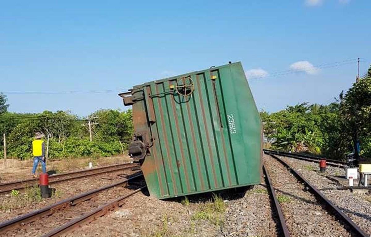 Tàu hàng AH2 bị trật bánh tại ga Suối Kiết, huyện Tánh Linh, tỉnh Bình Thuận. (Nguồn ảnh: Câu Lạc Bộ Đam Mê Đường Sắt)