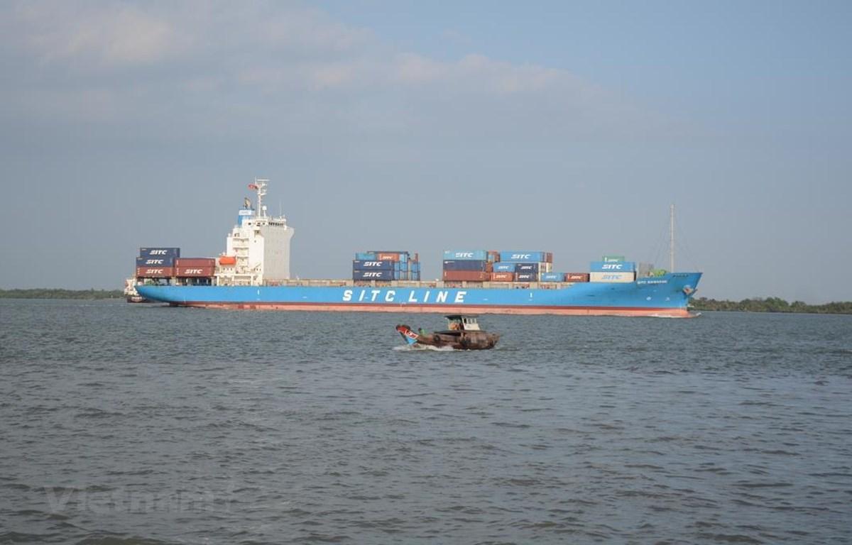 Vinalines và các doanh nghiệp vận tải biển tiếp tục duy trì vị thế chủ đạo trên thị trường vận tải biển nội địa. (Ảnh: Việt Hùng/Vietnam+)