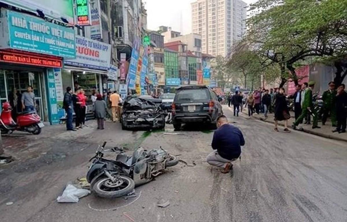 Hiện trường một vụ tai nạn giao thông nghiêm trọng. (Ảnh: Sơn Bách/Vietnam+)