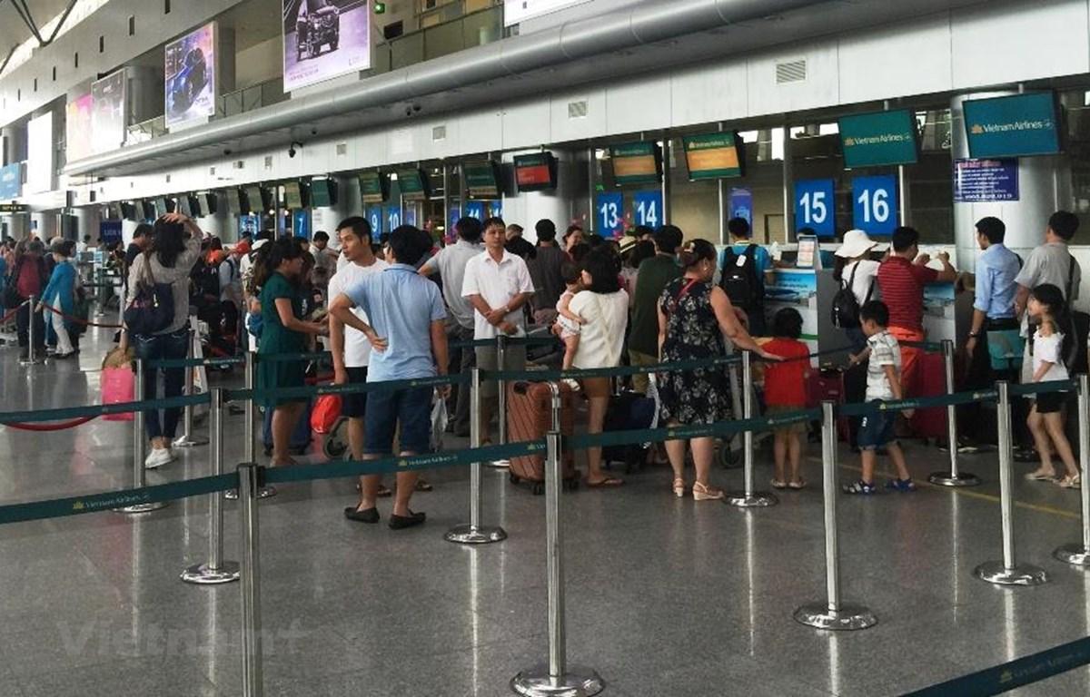 Giá vé máy bay có nhiều dải giá và các cung chặng khác nhau. (Ảnh: Việt Hùng/Vietnam+)