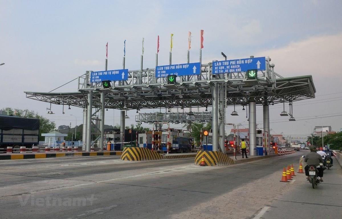 Thu phí tự động không dừng sẽ được Bộ Giao thông Vận tải đẩy nhanh tiến độ. (Ảnh: Việt Hùng/Vietnam+)