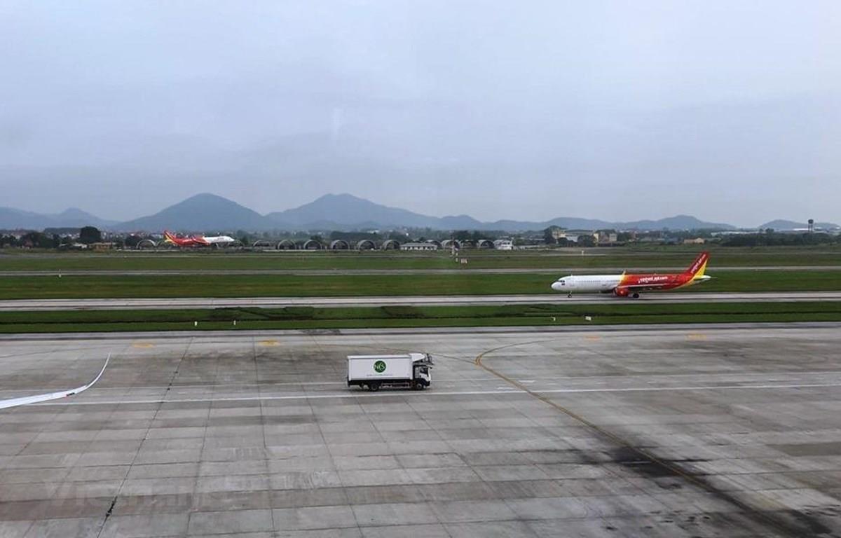 Máy bay của hãng hàng không Vietjet Air cất hạ cánh. (Ảnh: Việt Hùng/Vietnam+)