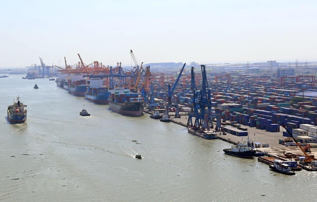 Hệ thống cảng tại khu vực Đình Vũ, Hải Phòng. (Ảnh: Huy Hùng/TTXVN)