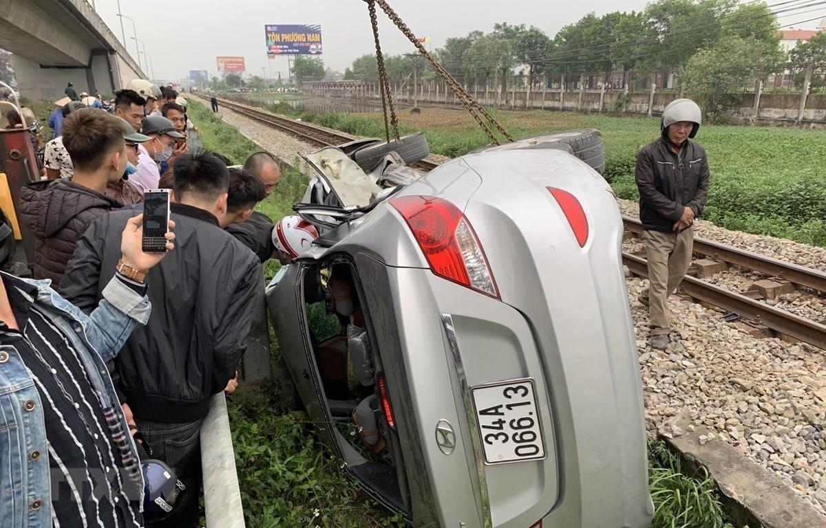 Hiện trường một vụ tai nạn giao thông đường sắt. (Ảnh: Hiền Anh/TTXVN)