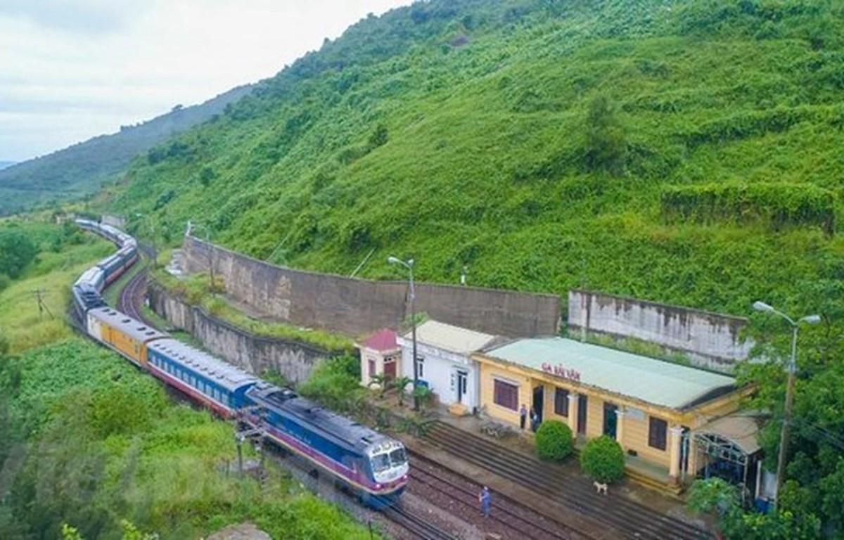 Đường sắt chạy thêm hàng chục đôi tàu dịp nghỉ lễ Quốc khánh ngày 2/9. (Ảnh: Minh Sơn/Vietnam+)