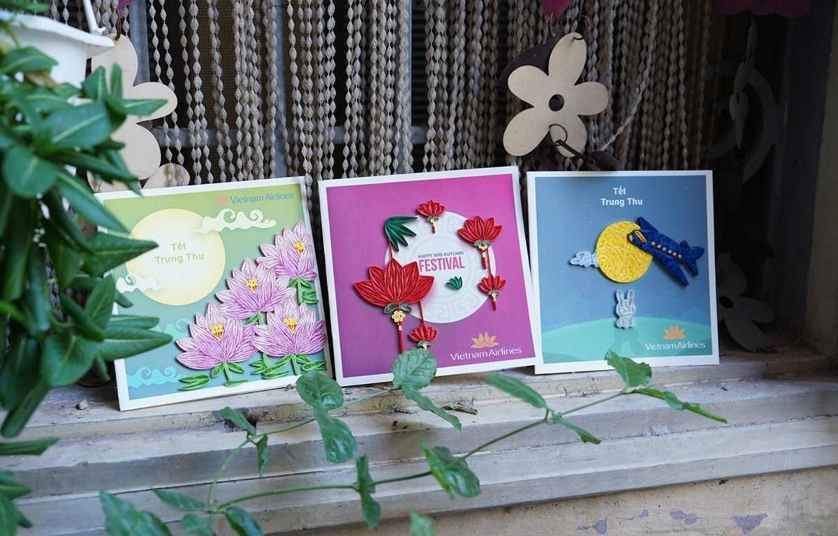 Những tấm thiệp Trung thu chi tiết, kỳ công dành tặng các hành khách nhí trên chuyến bay Vietnam Airlines được làm ra bởi Thương Thương Handmade. (Ảnh: Xuân Nghĩa/Vietnam+)