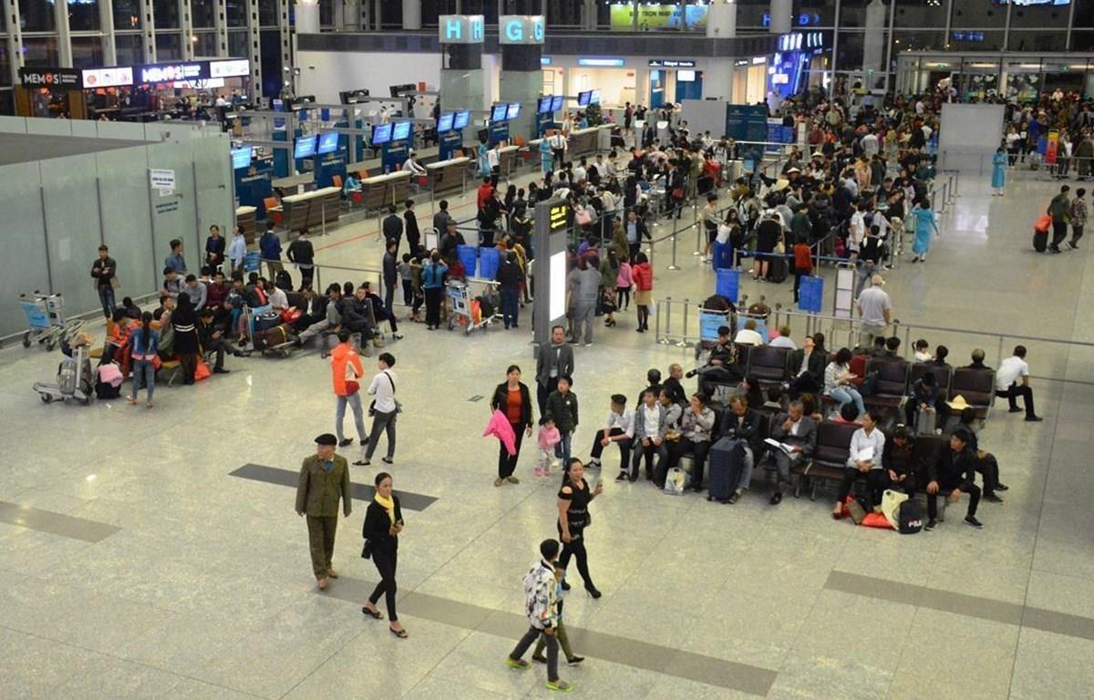Thị trường hàng không tăng trưởng nhanh trong thời gian qua đã gây áp lực lên hạ tầng hàng không. (Ảnh: Việt Hùng/Vietnam+)