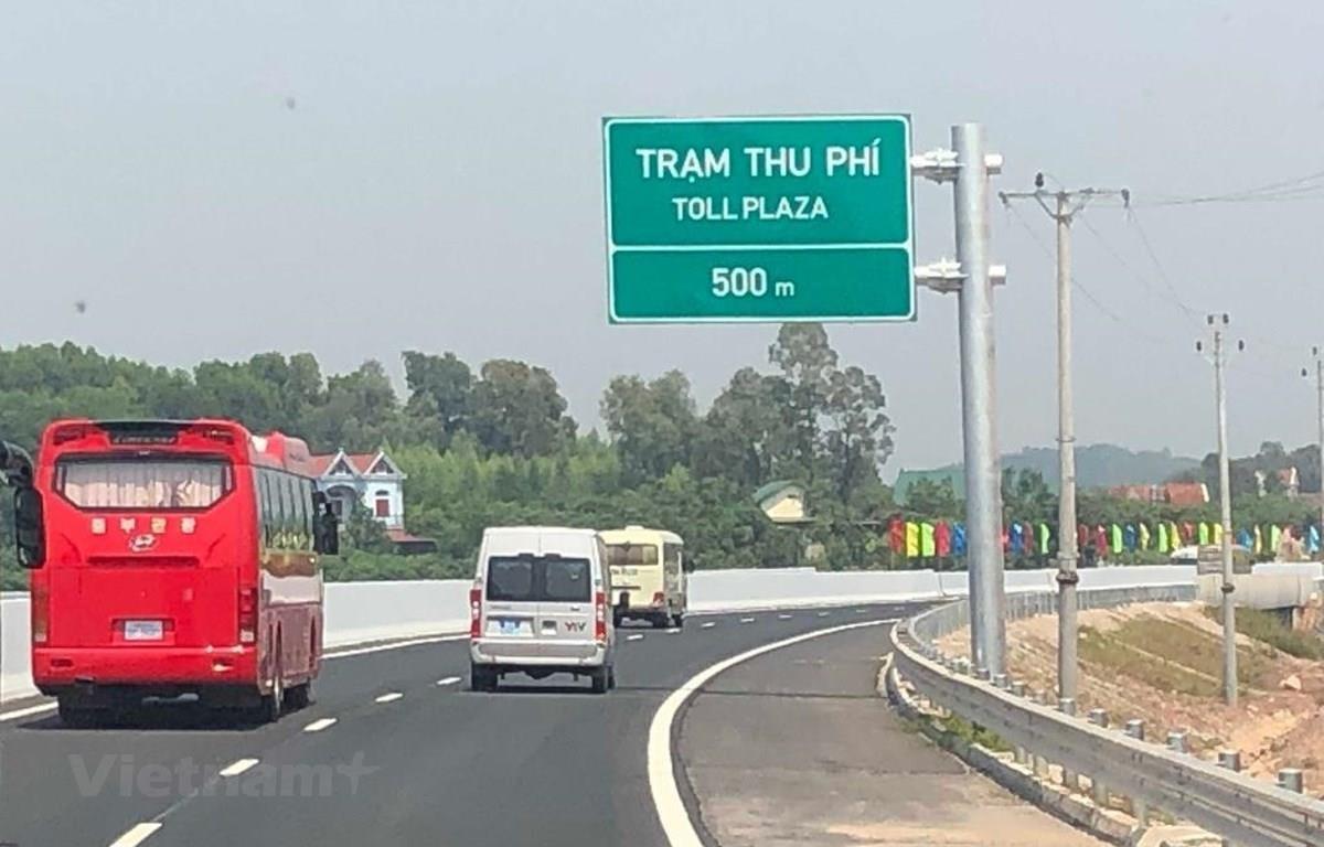 Dự án đường cao tốc Bắc Giang-Lạng Sơn thông xe rút ngắn thời gian lưu thông từ Hà Nội-Lạng Sơn. (Ảnh: Việt Hùng/Vietnam+)