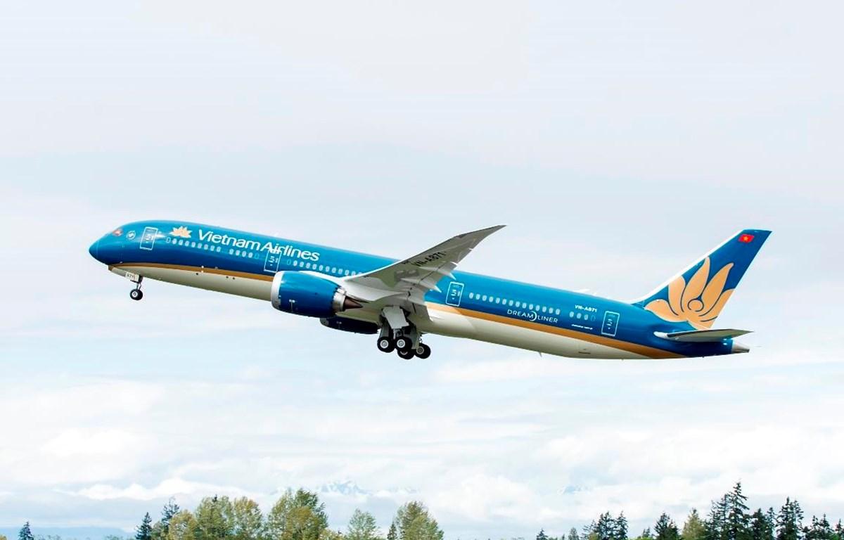 Vietnam Airlines sẽ khai thác thêm 6 chuyến bay, tương đương hơn 1.300 chỗ từ Việt Nam tới Philippines để cổ vũ U22 đá trận chung kết SEA Games 30. (Ảnh: CTV/Vietnam+)